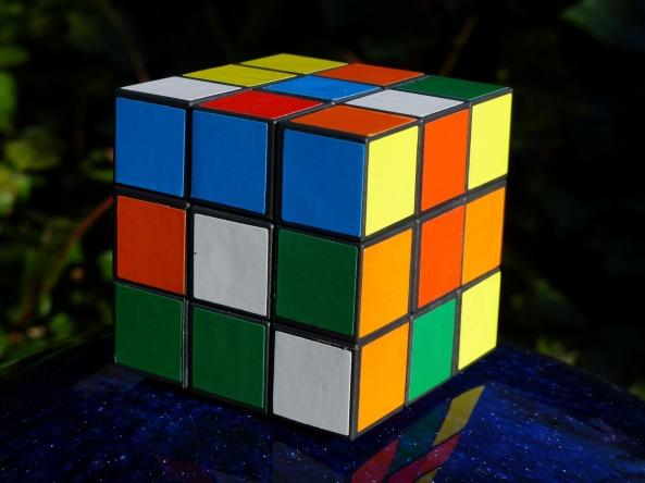 magic-cube-1012909_1920.jpg