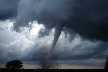 tornado-572504_1280
