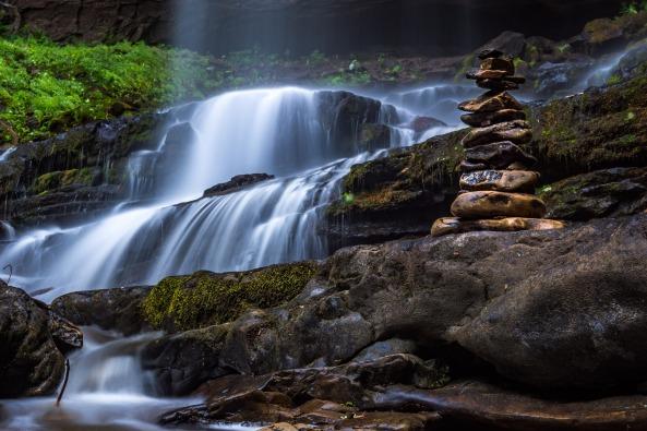 cascade-1845987_1920