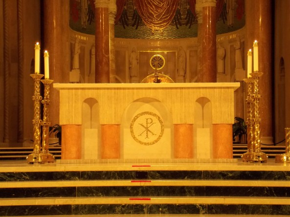 Basilica_National_Shrine_Immaculate_Conception_DC_altar